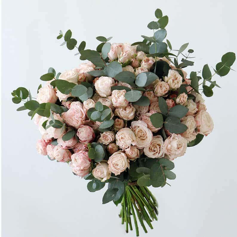 spray rose bouquet