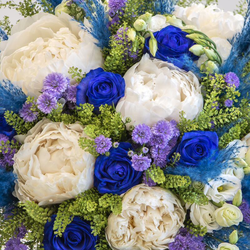 fathers day blue bouquet close up