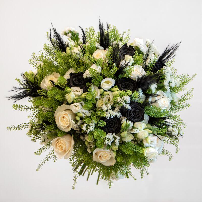 Long lasting black rose bouquet