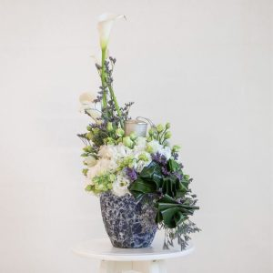 Modern candle arrangement
