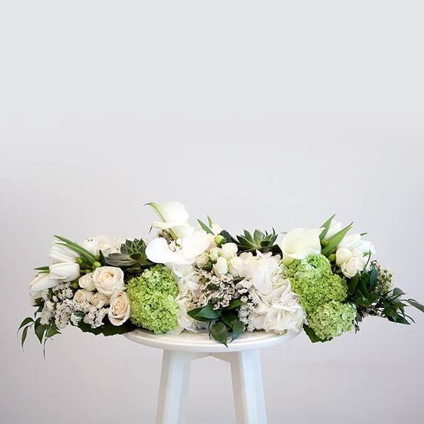 Long and low arrangement