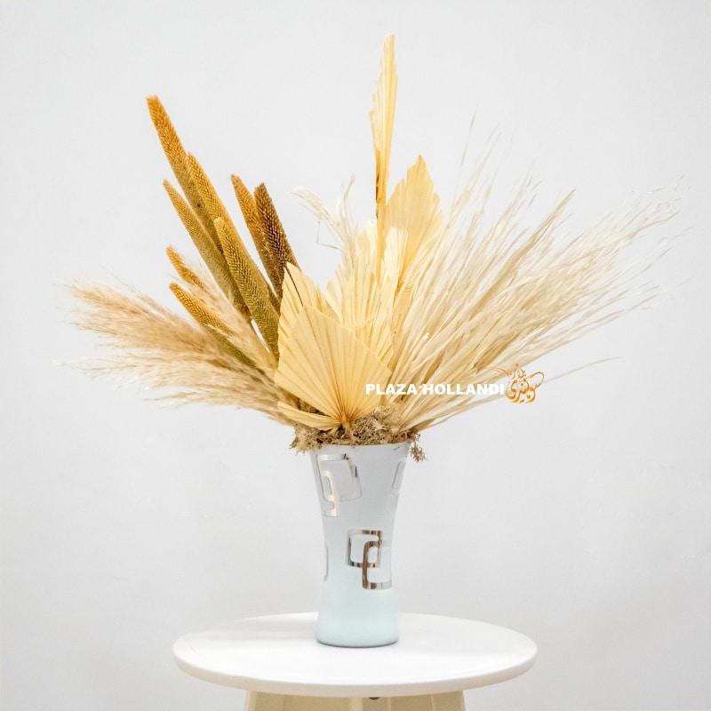 Dried flowers, white vase