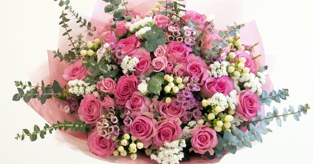 pink roses flower arrangemnets