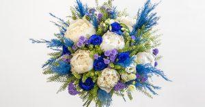 violet blue roses