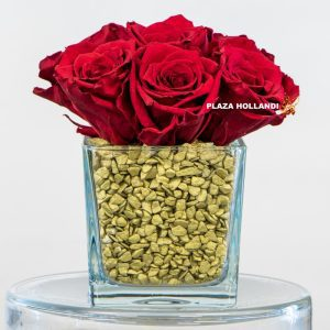 Long lasting red roses with gold stones